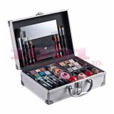 2K ALL ABOUT BEAUTY TRAIN CASE TRUSA MAKEUP